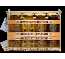 Подарочный набор с мёдом 4*250 Ларец